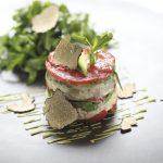 Remoulade de Chaire de Crabe et Dorade Rose Marinée, Mousseline d'Avocat à la Truffe Noire, Tomate Séchée, Salade Roquette