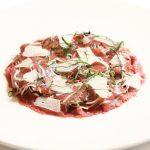 Carpaccio de Bœuf Tricolore sur Salade au Vinaigre Balsamique copie
